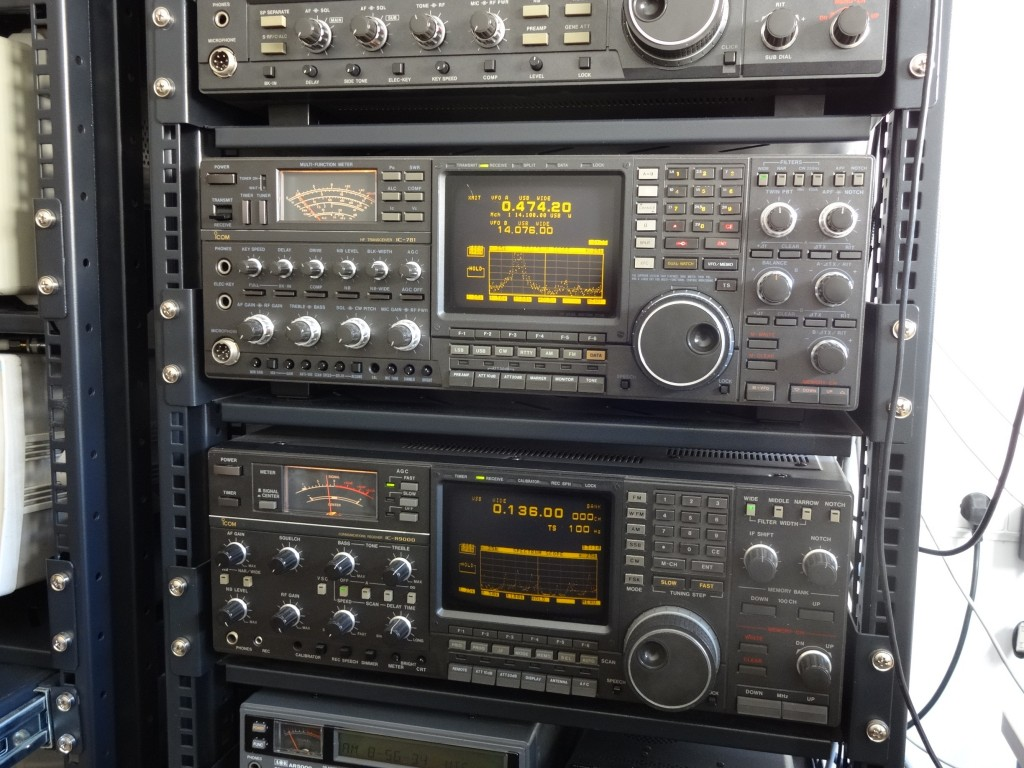 Icom IC-R9000 and IC-781 used